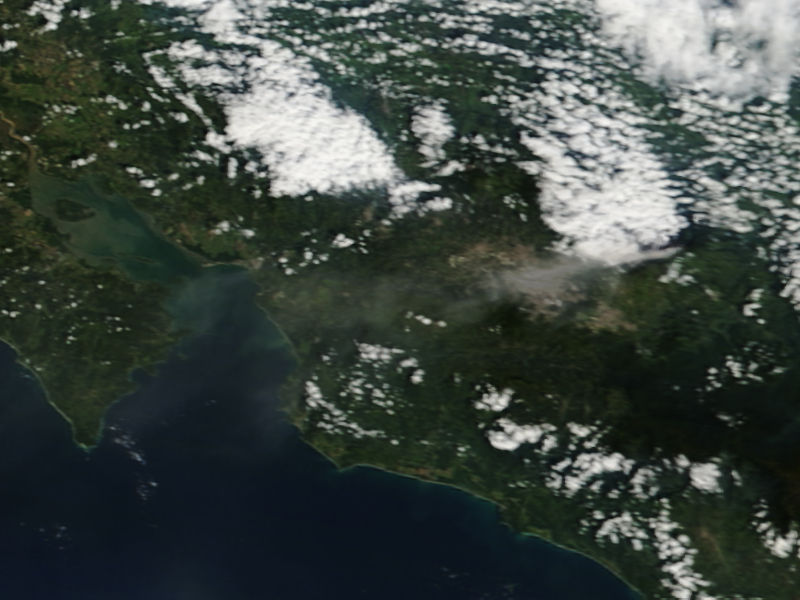 Plume from Turrialba, Costa Rica - related image preview