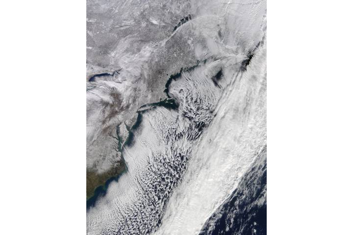 Cloud streets and snow along the eastern seaboard - selected image