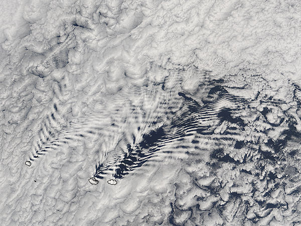 Ship-wave-shaped wave clouds induced by the Crozet Islands (morning overpass) - related image preview