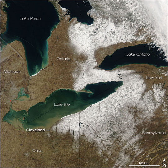 Spring Snow in the Northeastern United States