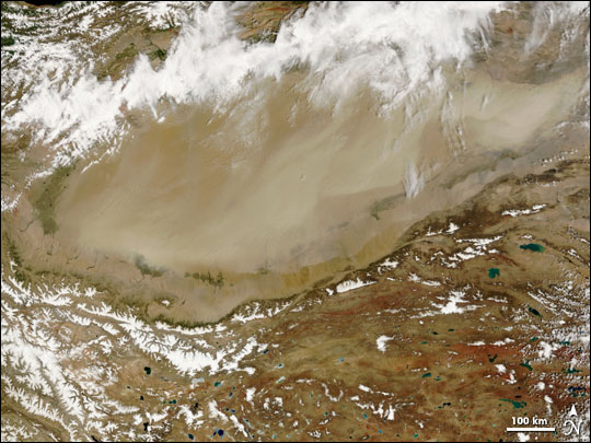 Dust storm in Taklimakan