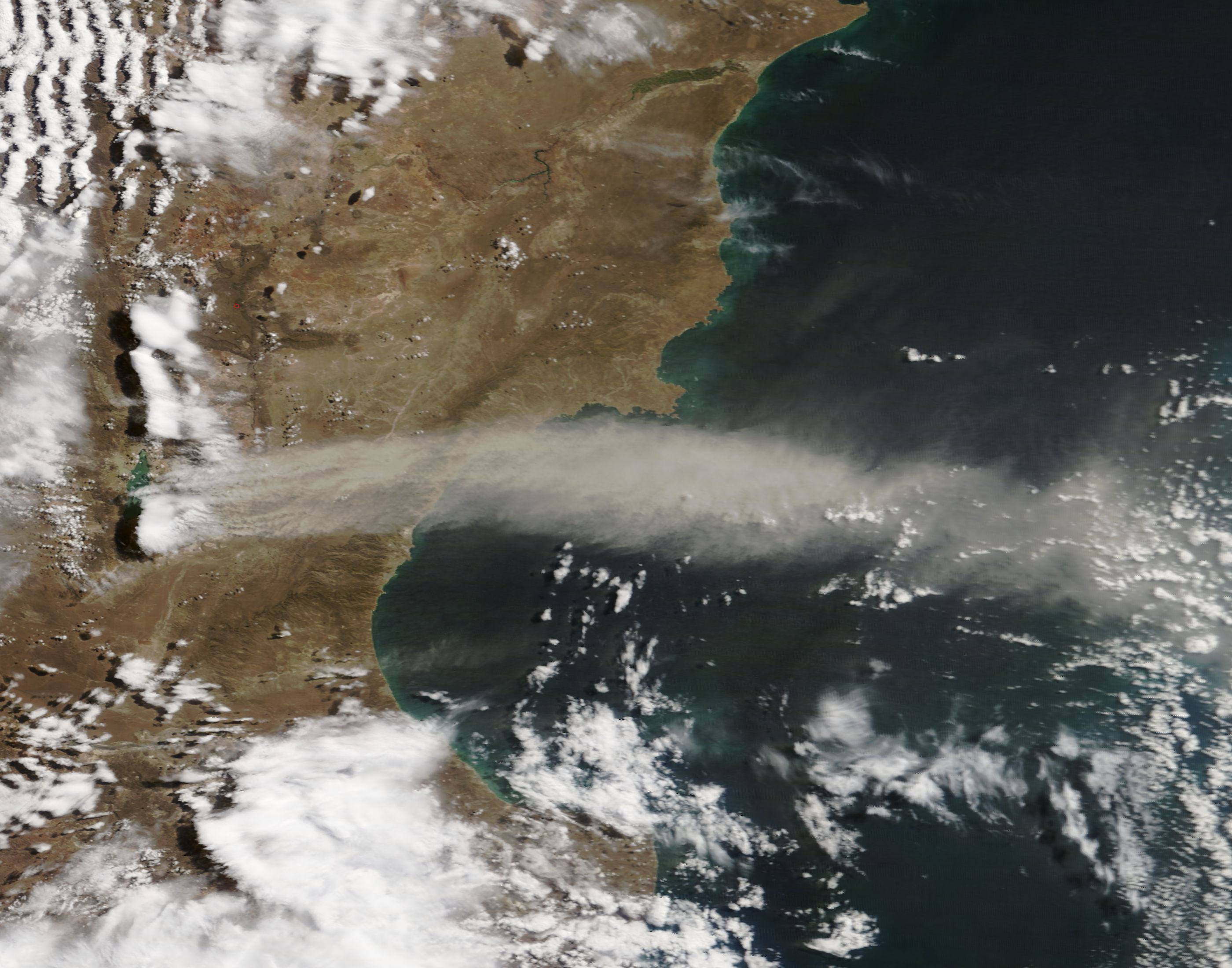 Dust storm off Argentina - related image preview