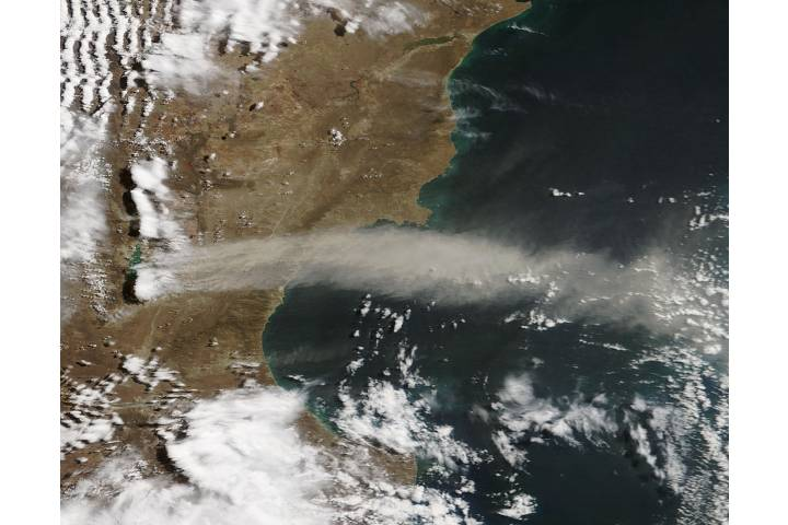 Dust storm off Argentina - selected image