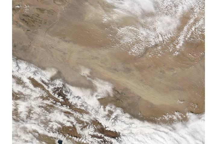 Dust storm in the Gobi Desert - selected image