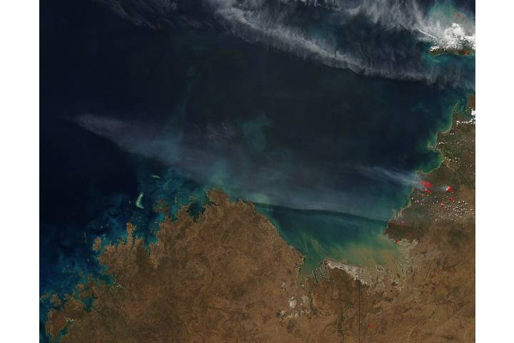 Fires and smoke in northern Australia - selected image