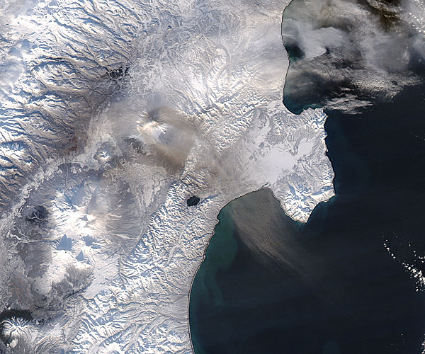 Plume from Shiveluch, Kamchatka Peninsula - related image preview