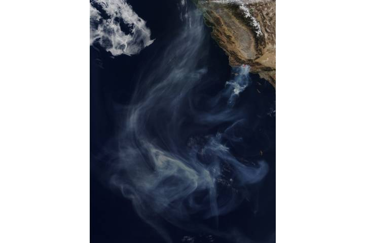 Smoke from California wildfires - selected image