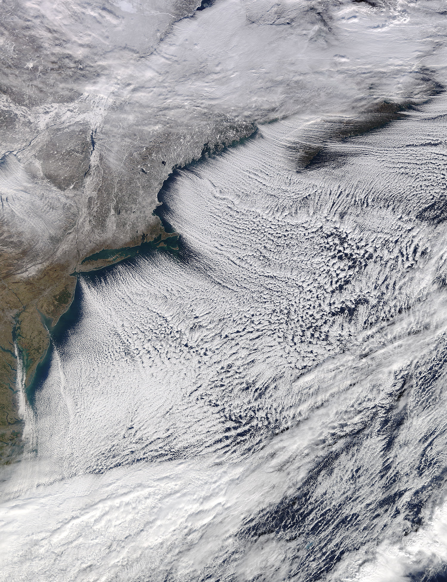 Cloud streets off the northeastern United States - related image preview