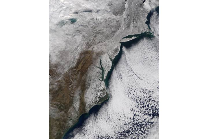 Snow and sea ice along the eastern seaboard - selected image