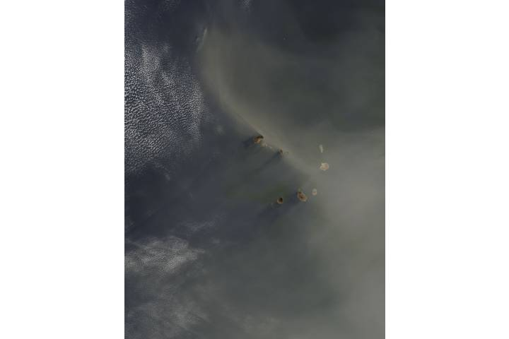 Dust over the Cape Verde Islands - selected image