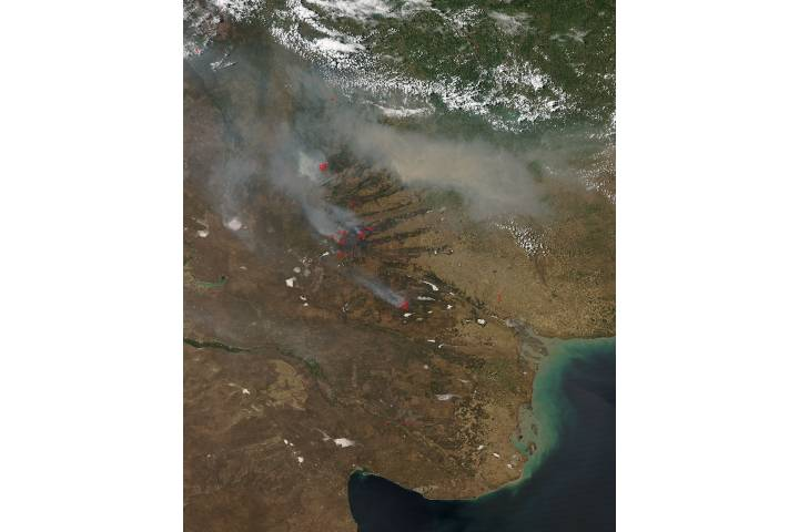 Fires and smoke in central Argentina - selected image