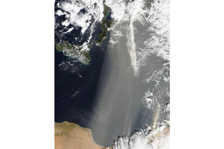 Dust storm over the eastern Mediterranean Sea - selected image