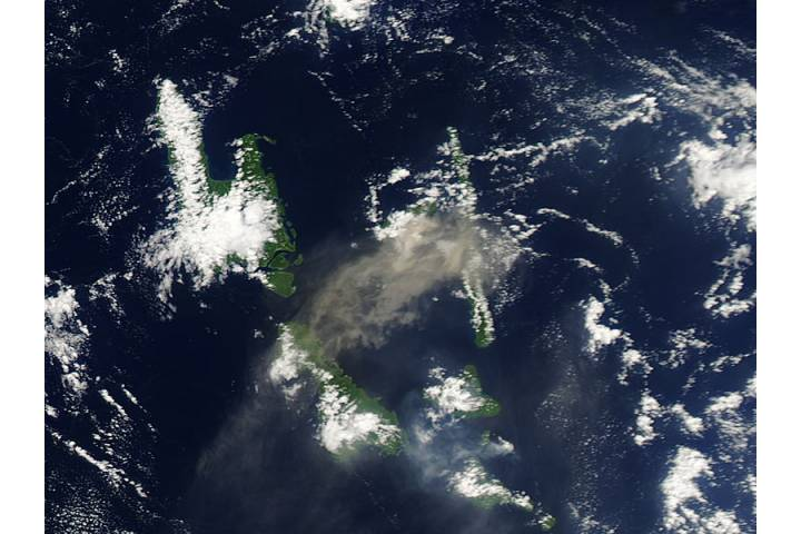 Plume from Aoba volcano, Vanuatu (afternoon overpass) - selected image