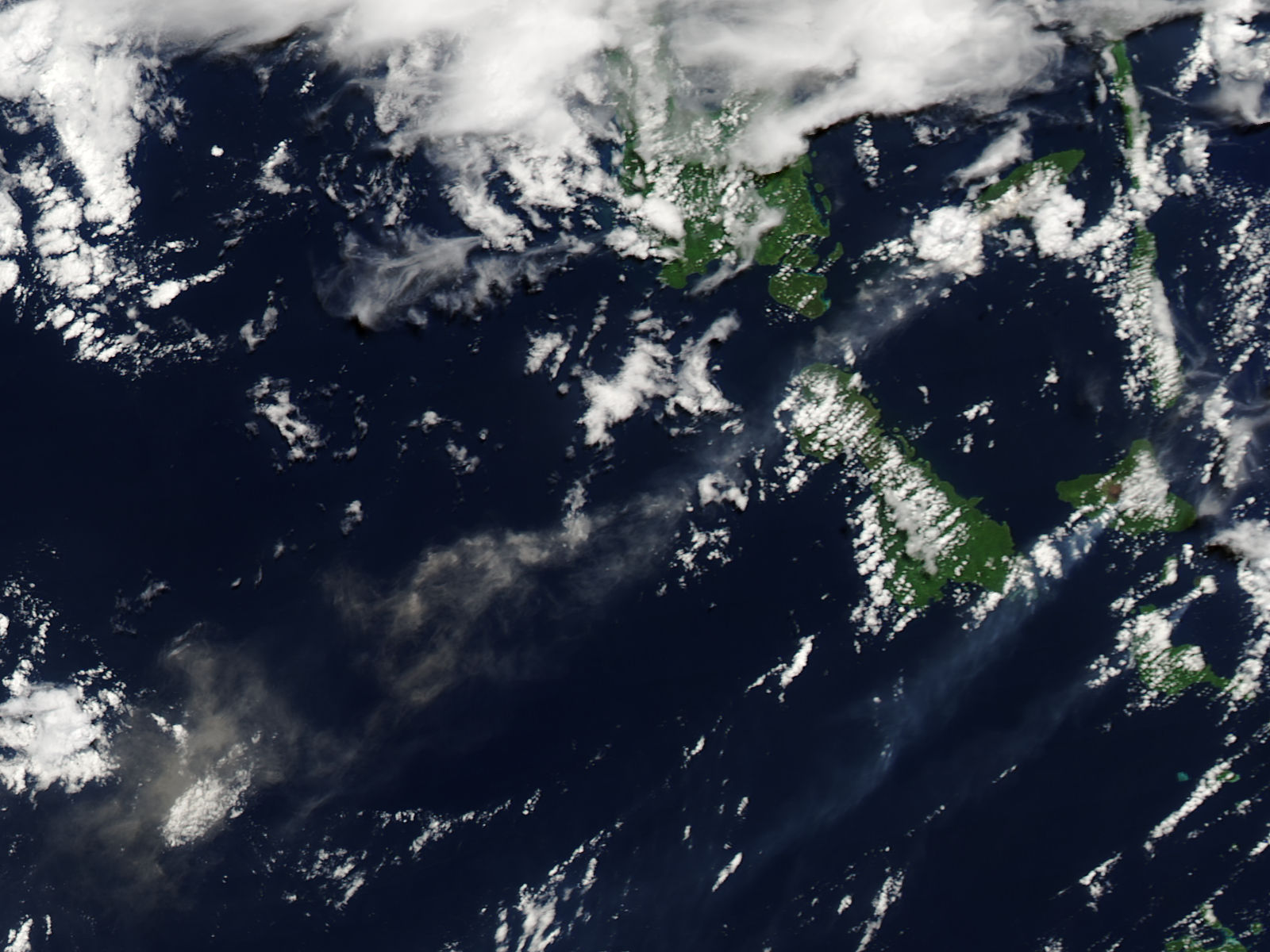 Plume from Aoba volcano, Vanuatu - related image preview