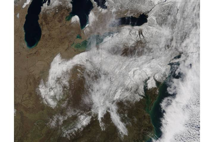 Spring snow across the eastern United States - selected image
