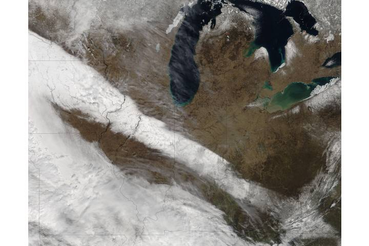 Spring snow across the midwestern United States - selected image