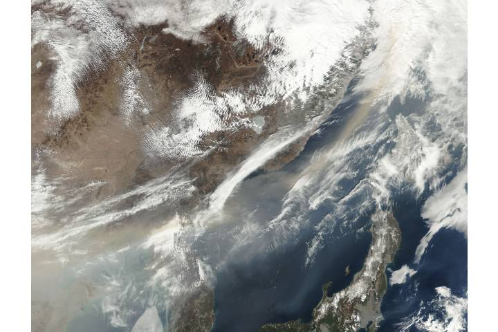 Dust storm over eastern China - selected image