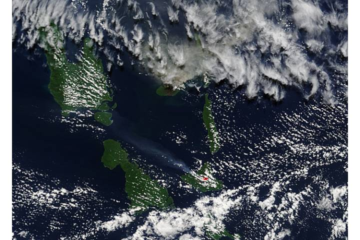 Plumes from Aoba and Ambrym volcanoes, Vanuatu - selected image
