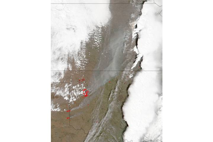 Fires and smoke in the central United States - selected image