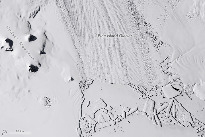 Pine Island Glacier Quickly Drops Another Iceberg