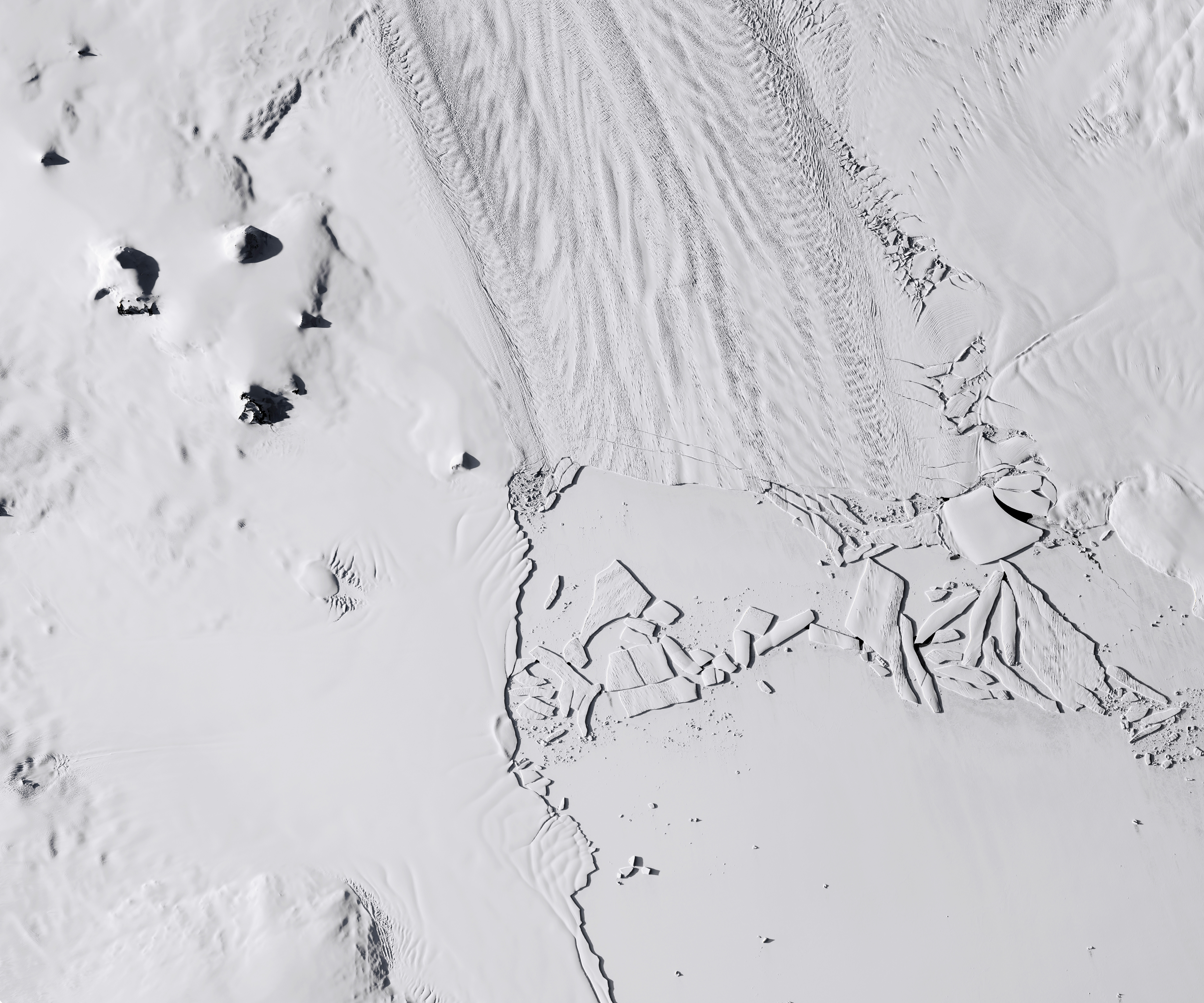 Pine Island Glacier Quickly Drops Another Iceberg - related image preview