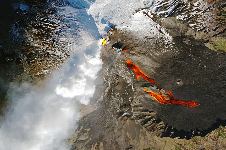 Etna Awakens on its Side - selected child image