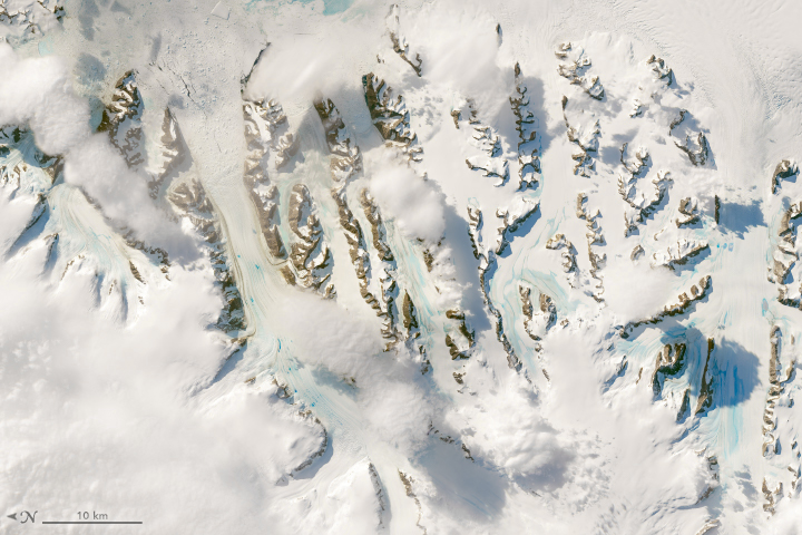 Warm Winds Trigger Melting in Antarctica - related image preview