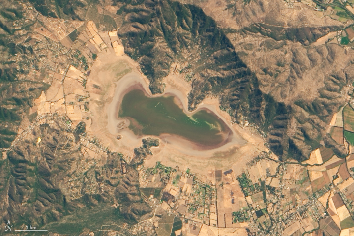Lake Aculeo Dries Up
