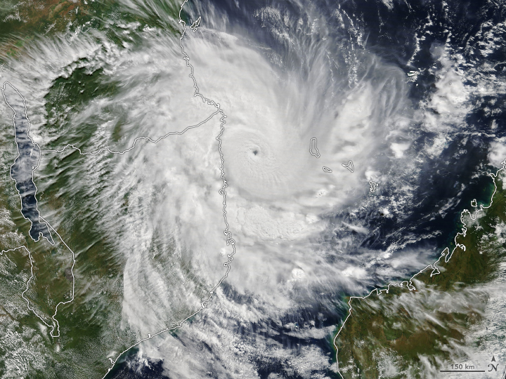 Kenneth Nearing Landfall in Mozambique