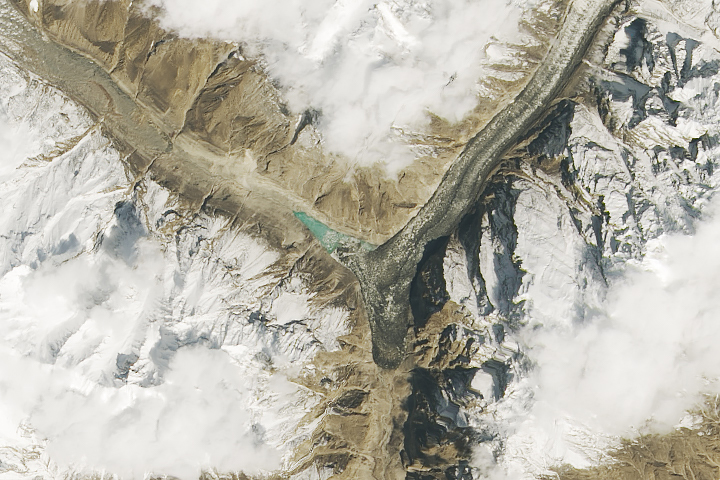 Surging Glacier Creates a New Lake