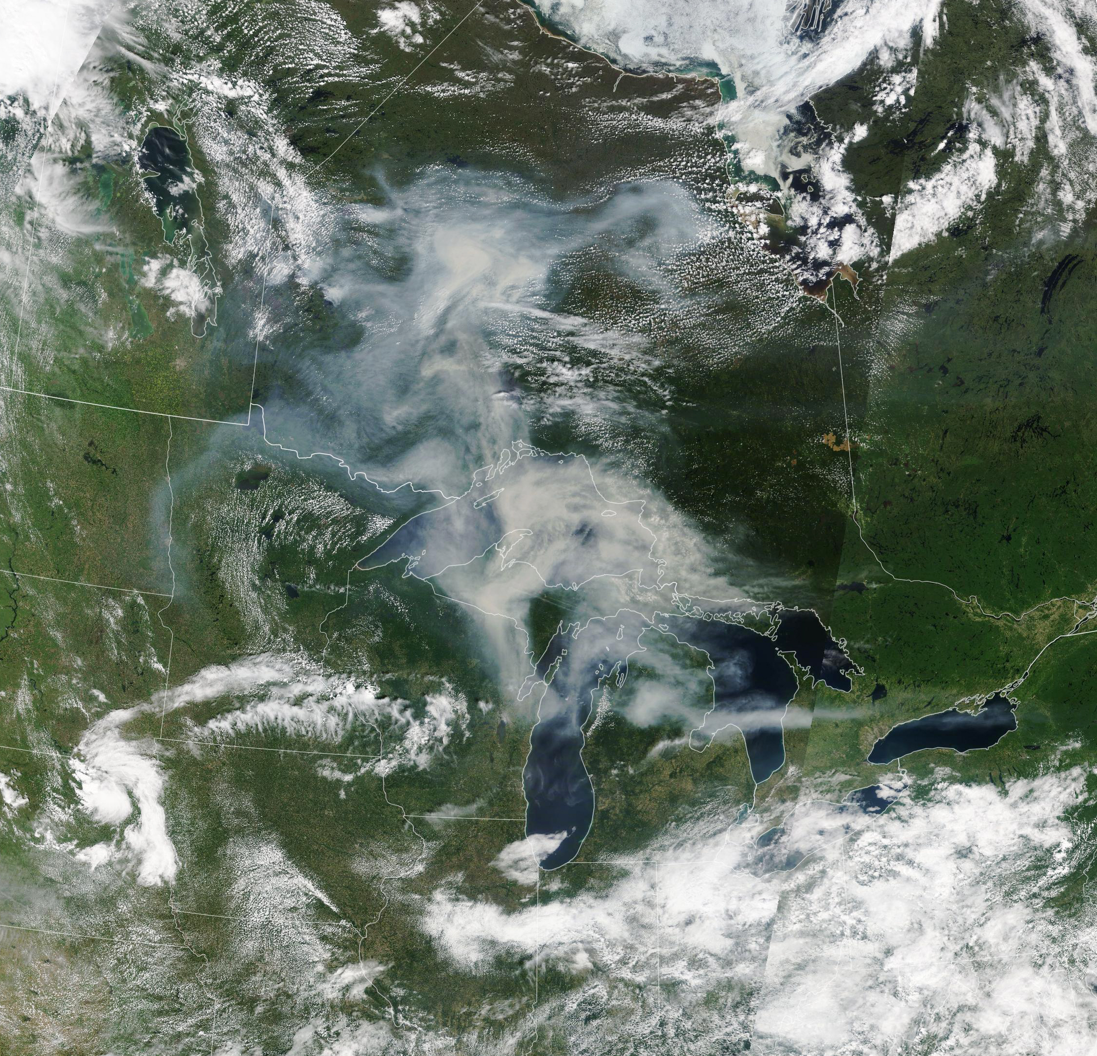 Smoke Spreads Across Ontario - related image preview