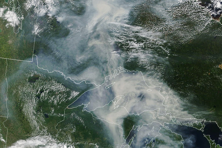 Smoke Spreads Across Ontario