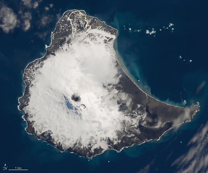 Lava Lake Discovered on Mount Michael