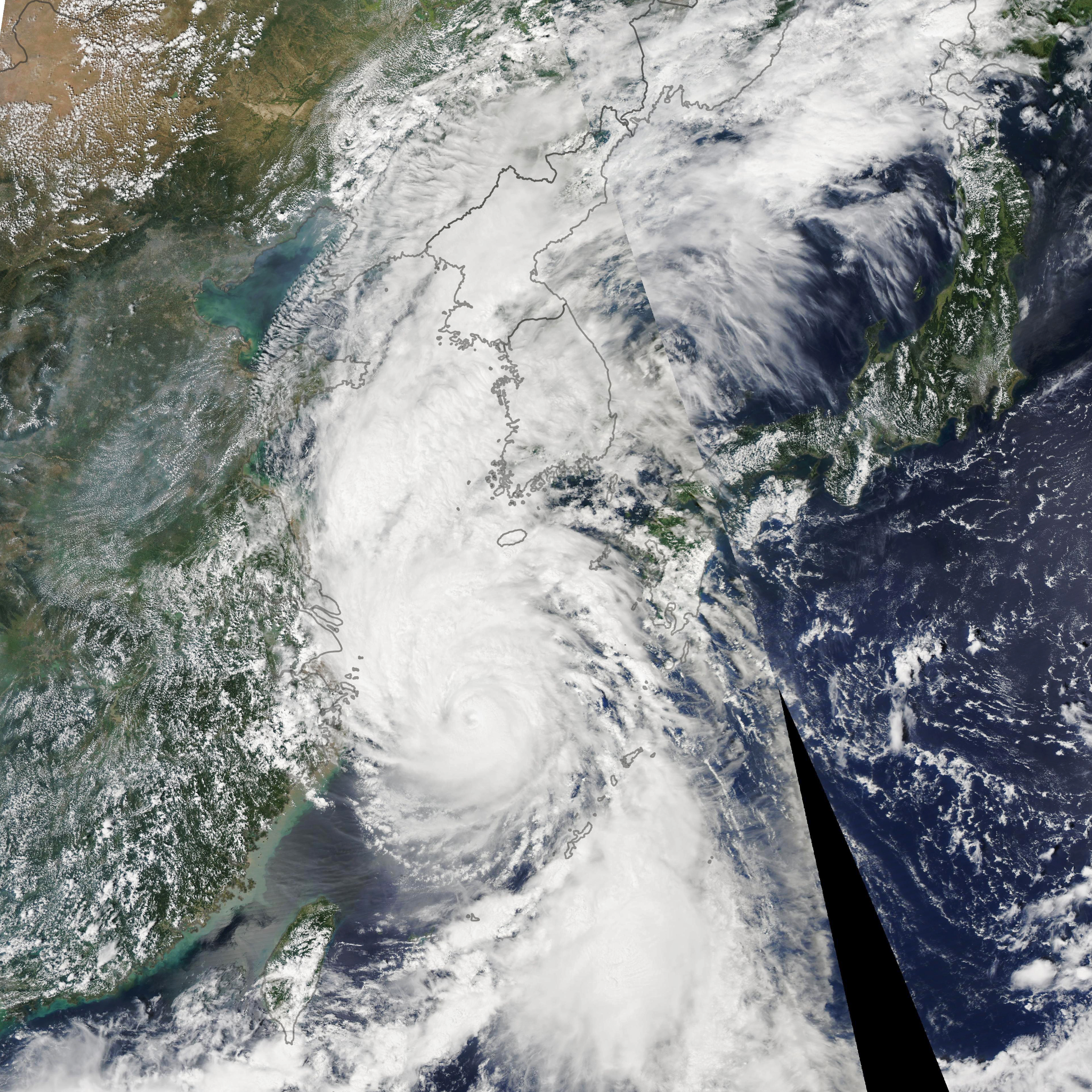Typhoon Lingling Heads Towards the Koreas - related image preview