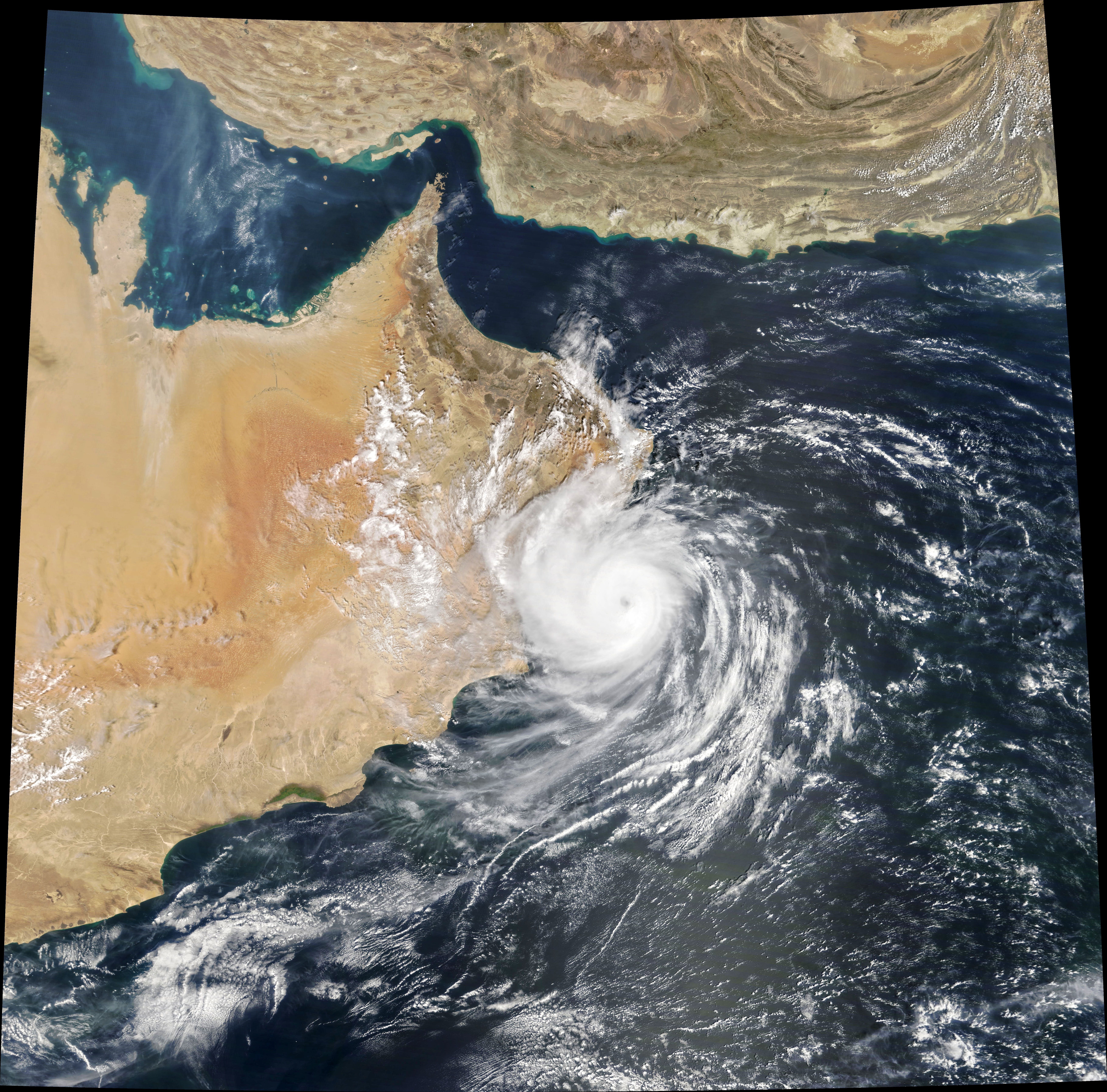 Cyclone Hikaa Hits Oman - related image preview
