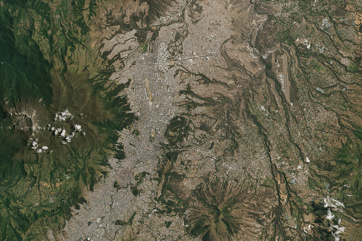 Three Decades of Urban Expansion in Quito - selected image