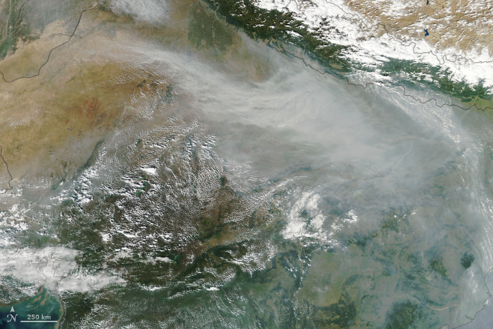 Haze Smothers Northern India - related image preview