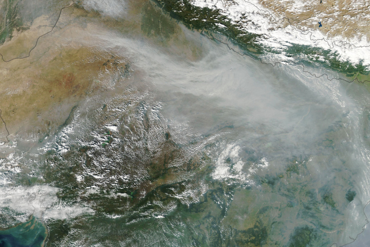 Haze Smothers Northern India - selected image
