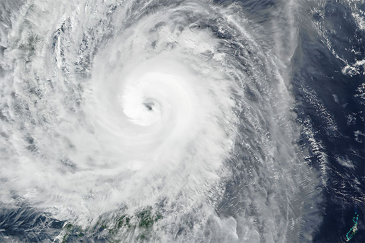 Typhoon Kammuri Approaches the Philippines