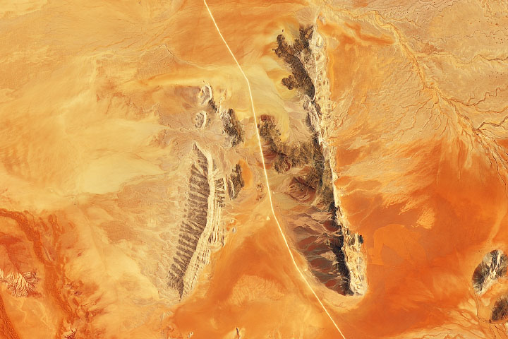 Sandscapes of the Namib Desert - selected image