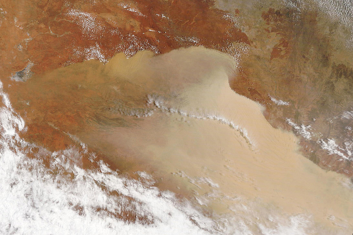 Major Dust Storm Sweeps Across Australia