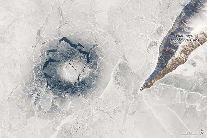 Baikal's Giant Ice Rings