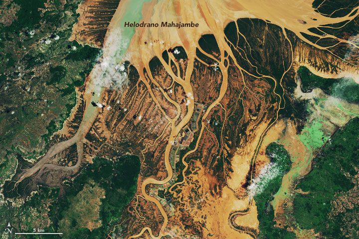 Flood Waters Overwhelm Northern Madagascar