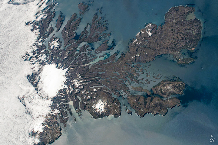 Waving at the Kerguelen Islands - related image preview