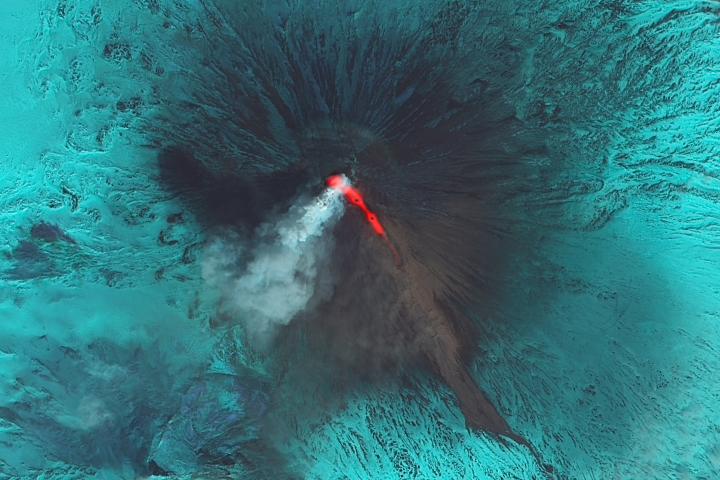 Klyuchevskaya Eruption Continues