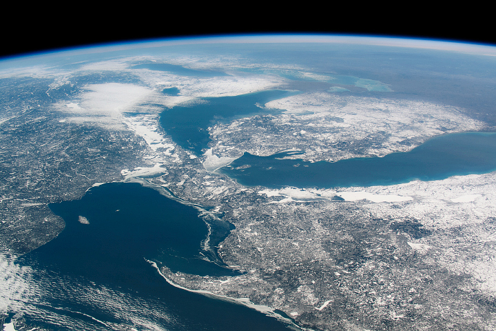 Great Lakes Without Winter Ice