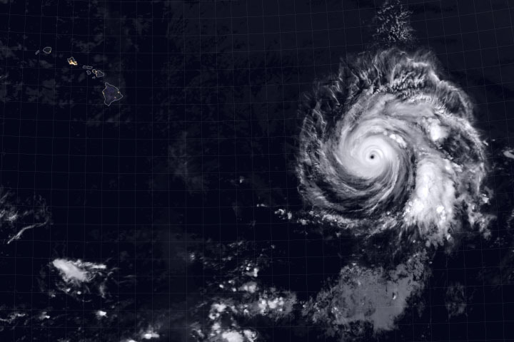 Hurricane Douglas Heads Toward Hawaii