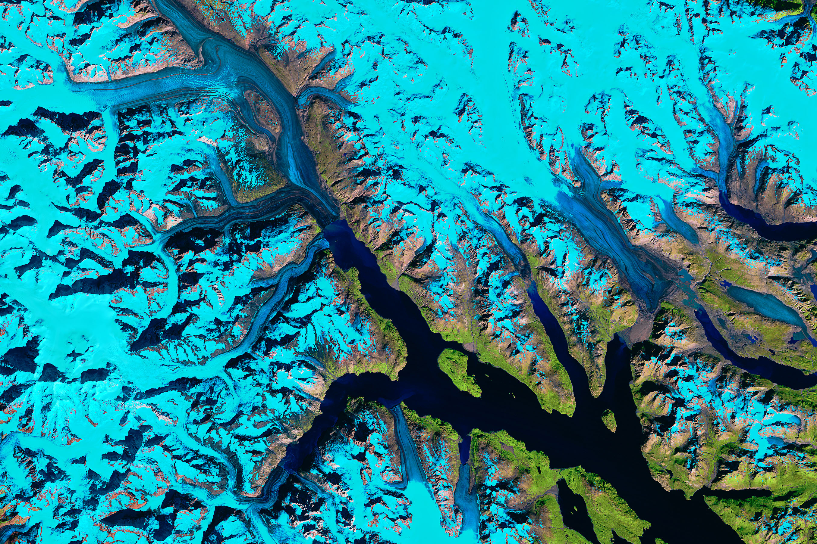 Where Ice Still Flows into Glacier Bay - related image preview