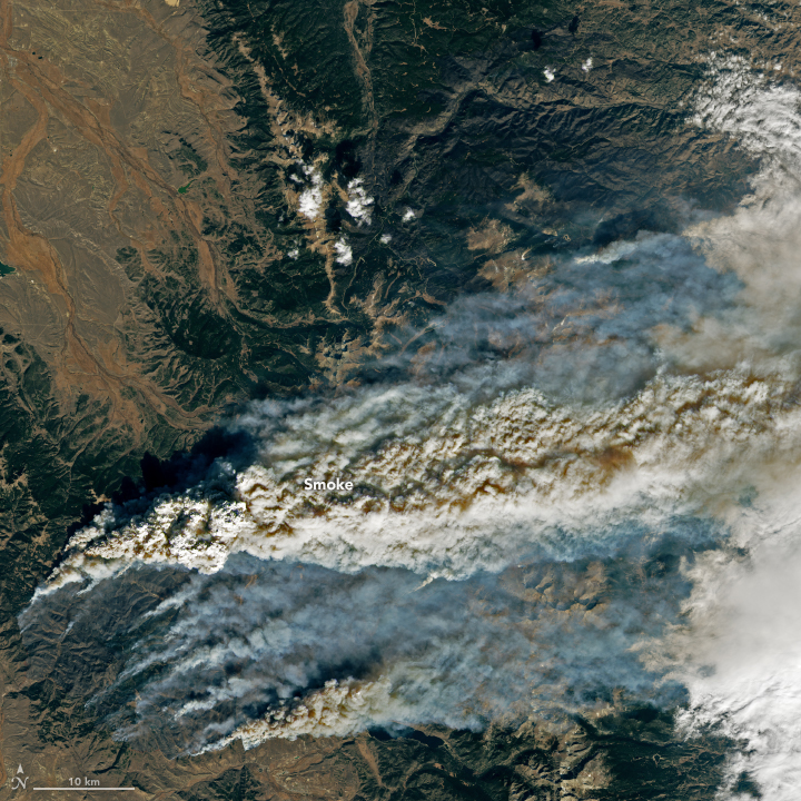 East Troublesome Fire Spreads to the Rockies