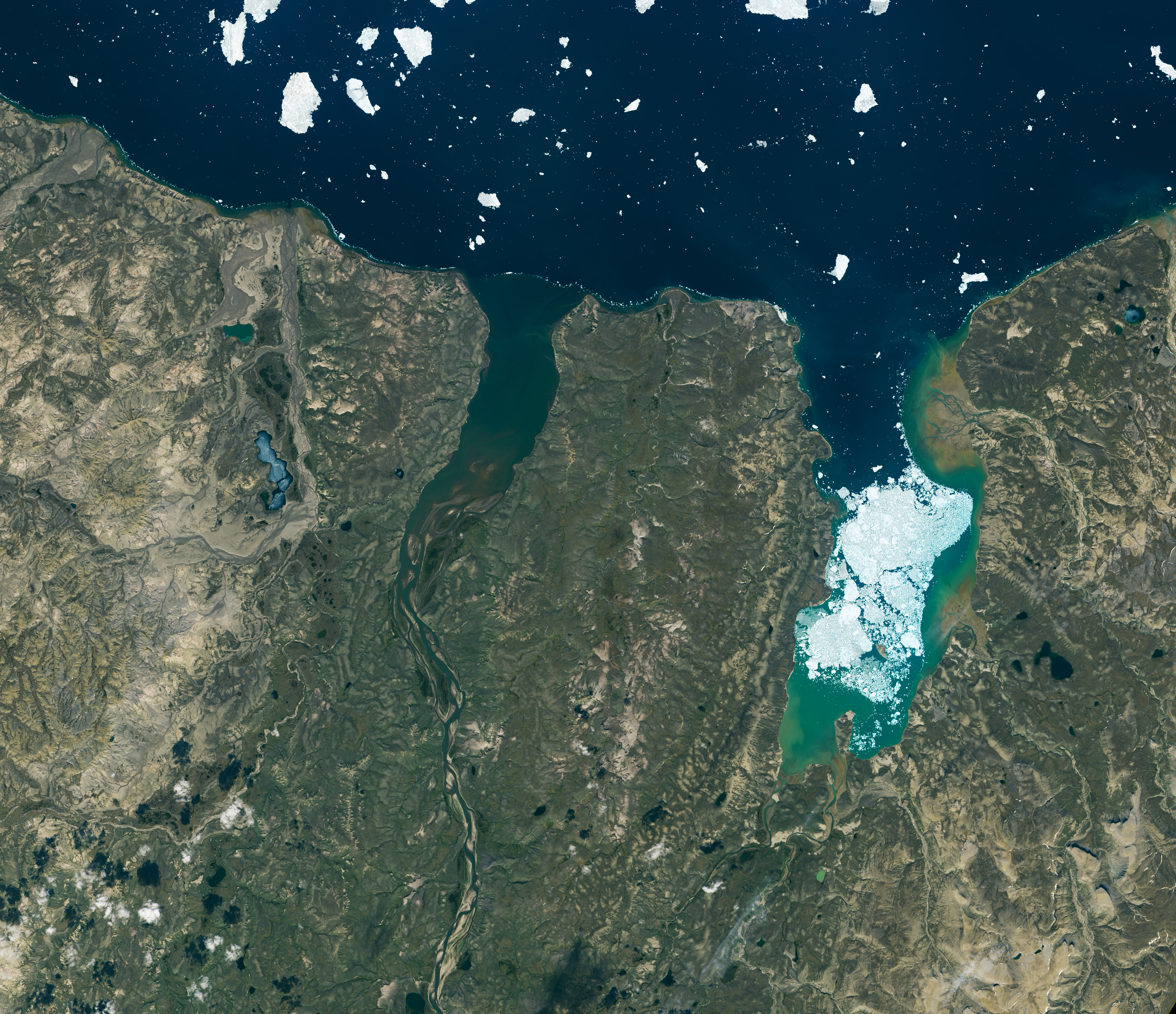Thomsen River Estuary, Banks Island - related image preview